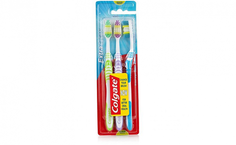 Colgate-extra-clean3-pack toothbrushes